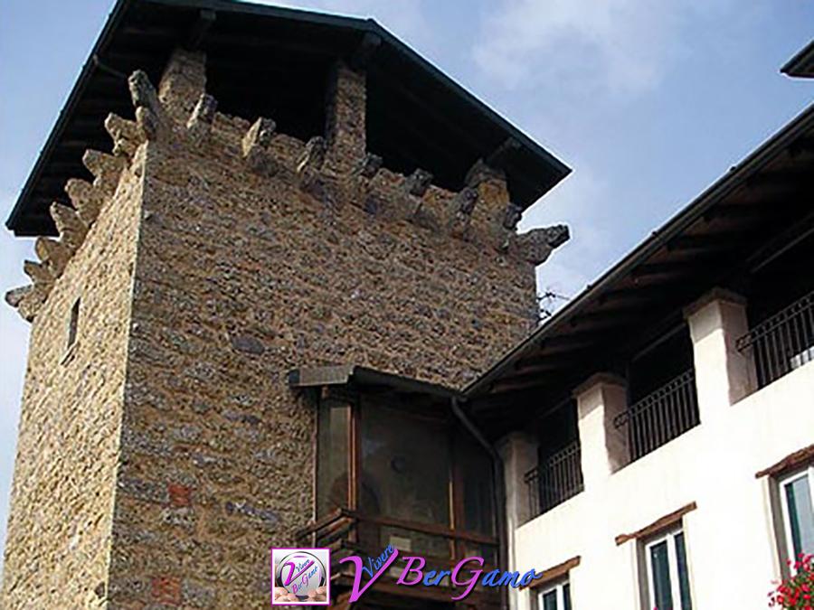 Torre del comune Cazzano Sant Andrea