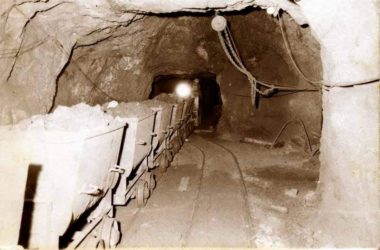 Foto storica Miniere di Dossena