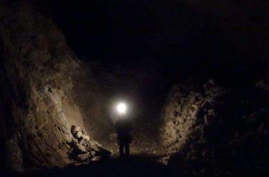 Interno al buio Miniere di Dossena